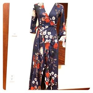 Dresses & Skirts - Pretty floral dress